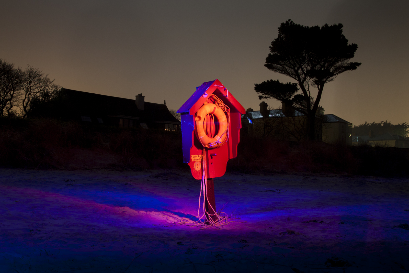 Karl Leonard, Chroma by night #2: Lifebuoy